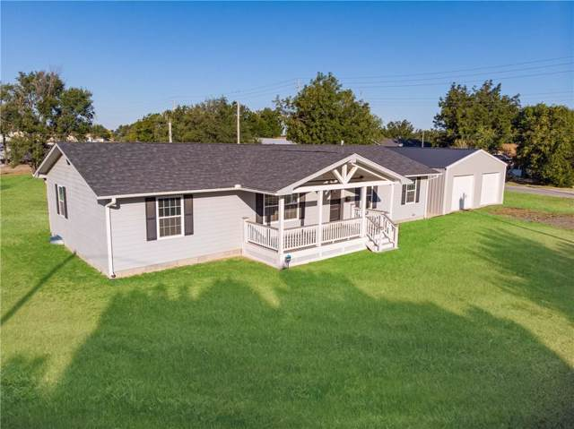 1709 N Pennsylvania Avenue, Mangum, OK 73554 (MLS #887790) :: Homestead & Co
