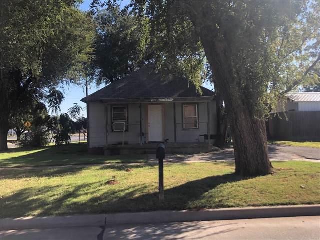 222 N Washington Avenue, Elk City, OK 73644 (MLS #888625) :: Homestead & Co