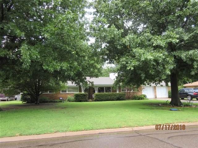 2933 Bella Vista Drive, Midwest City, OK 73110 (MLS #889281) :: Homestead & Co