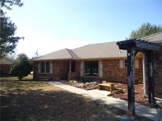 2215 John Street, Seminole, OK 74868 (MLS #889482) :: Homestead & Co