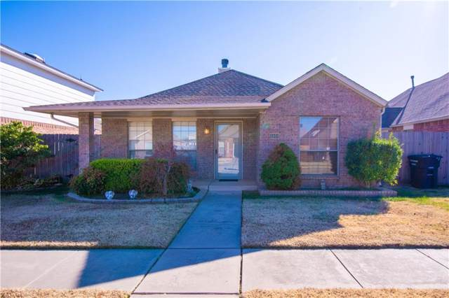 1004 SW 23rd Street, Moore, OK 73170 (MLS #890524) :: Homestead & Co