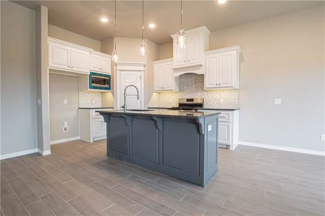 3805 Palisade Lane, Oklahoma City, OK 73179 (MLS #890834) :: Homestead & Co