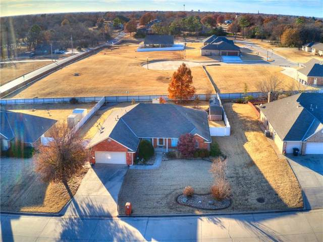 1802 Henson Court, Shawnee, OK 74804 (MLS #890865) :: KING Real Estate Group