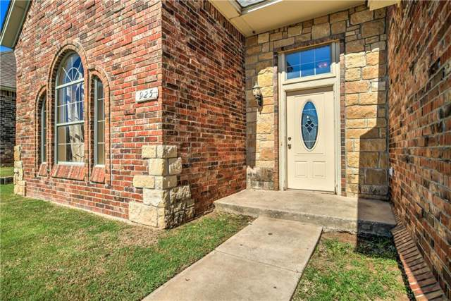 925 Justin Drive, Yukon, OK 73099 (MLS #890987) :: Homestead & Co