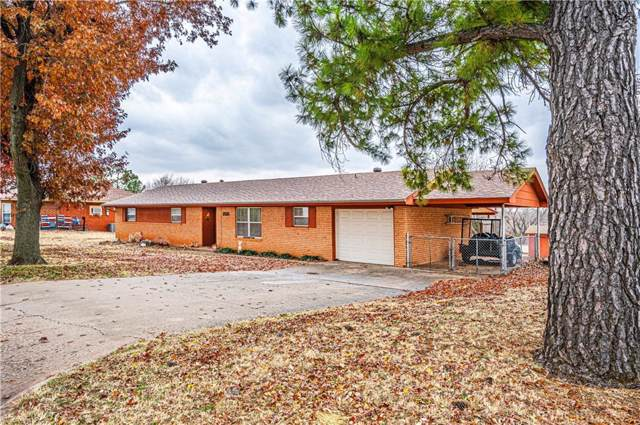 1818 S 21st Street, Chickasha, OK 73018 (MLS #891260) :: Homestead & Co