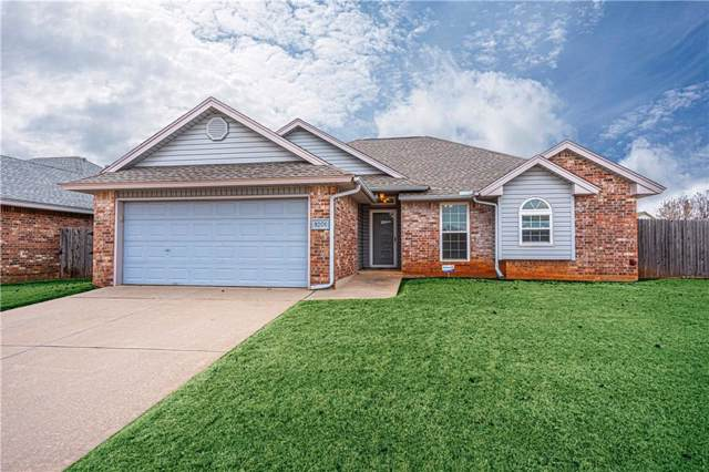 9201 S Bryant Terrace, Moore, OK 73160 (MLS #891996) :: Homestead & Co