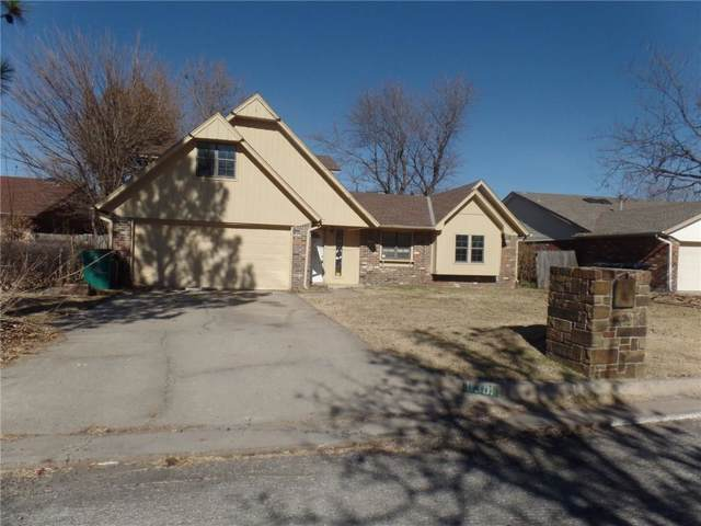 8301 NW 111th Terrace, Oklahoma City, OK 73162 (MLS #892290) :: Homestead & Co