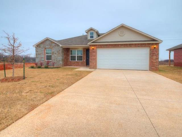 10713 SW 22nd Street, Yukon, OK 73099 (MLS #892664) :: Erhardt Group at Keller Williams Mulinix OKC