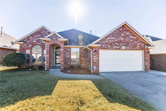 1804 NE 11th Street, Moore, OK 73160 (MLS #892720) :: Erhardt Group at Keller Williams Mulinix OKC