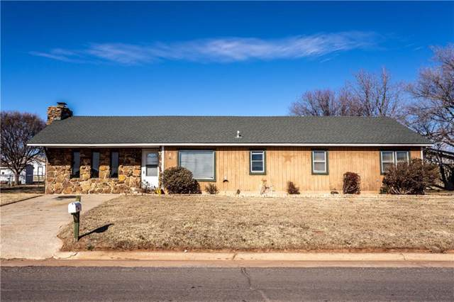 721 E Broadway Street, Thomas, OK 73669 (MLS #892958) :: The UB Home Team at Whittington Realty