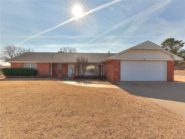 802 E Arlington, Weatherford, OK 73096 (MLS #893171) :: Homestead & Co