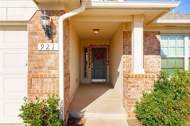 921 Lerkim Lane, Norman, OK 73069 (MLS #893331) :: Homestead & Co