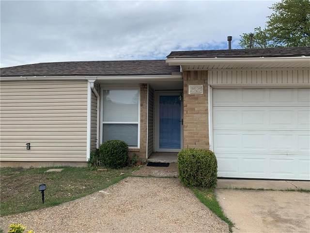 2525 SW 103rd Street, Oklahoma City, OK 73159 (MLS #894720) :: Homestead & Co