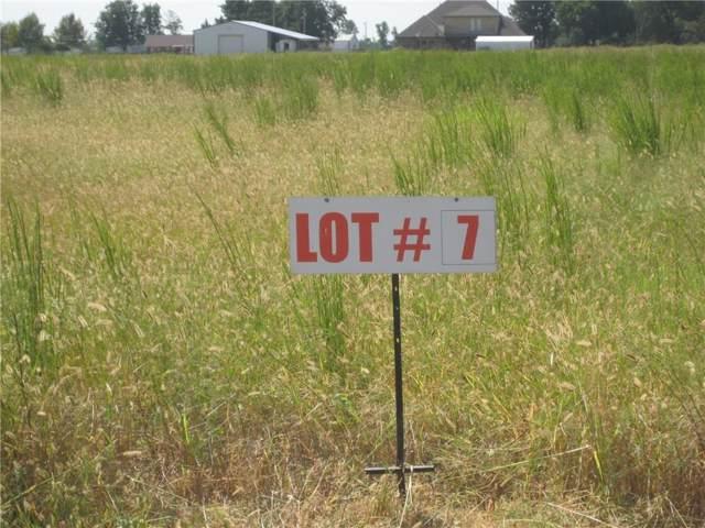 12515 Tractor Way, Crescent, OK 73028 (MLS #895246) :: Homestead & Co