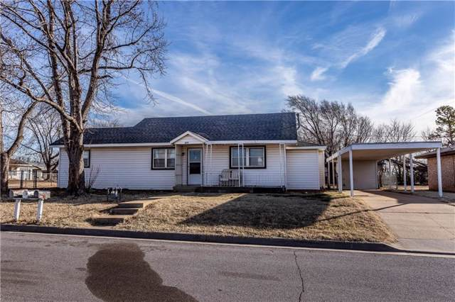 220 N 3rd Street, Weatherford, OK 73096 (MLS #895507) :: Homestead & Co