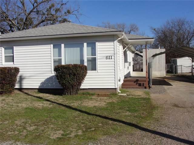 611 N Oak Avenue, Stratford, OK 74872 (MLS #895676) :: Homestead & Co