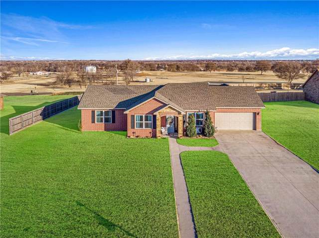 17 Fairway Drive, Sayre, OK 73662 (MLS #896069) :: Homestead & Co