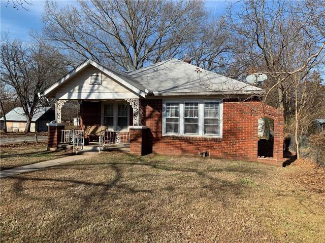 303 E Jefferson Street, Tecumseh, OK 74873 (MLS #896538) :: Homestead & Co