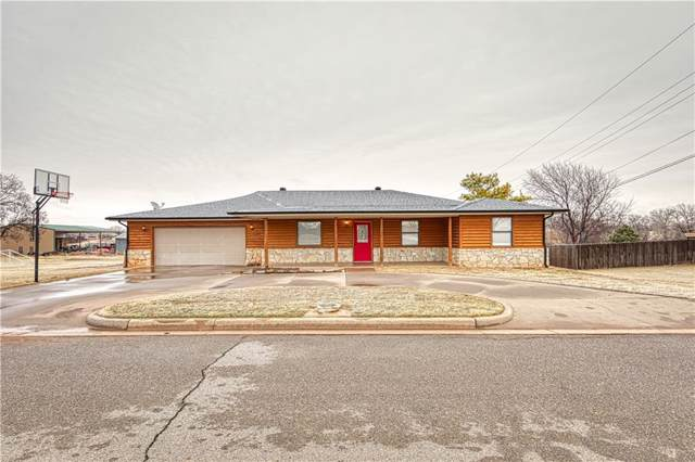 202 N Otis Avenue, Elk City, OK 73644 (MLS #896959) :: Homestead & Co