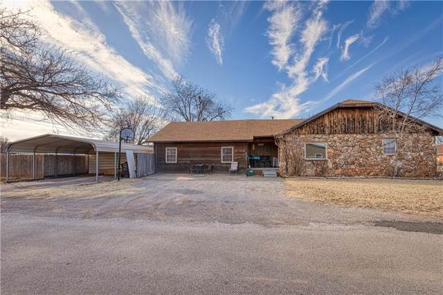 922 E Main Street, Sentinel, OK 73664 (MLS #897224) :: Homestead & Co