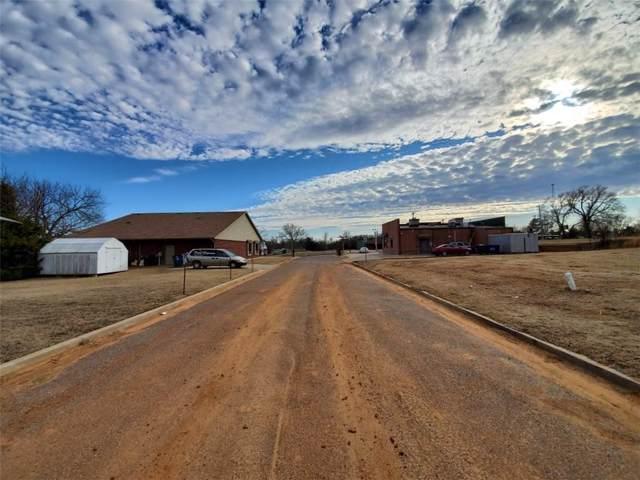 000 Private Road, Harrah, OK 73045 (MLS #897813) :: Homestead & Co