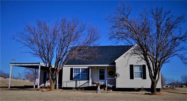 505 S Linwood Street, Cordell, OK 73632 (MLS #897848) :: Homestead & Co