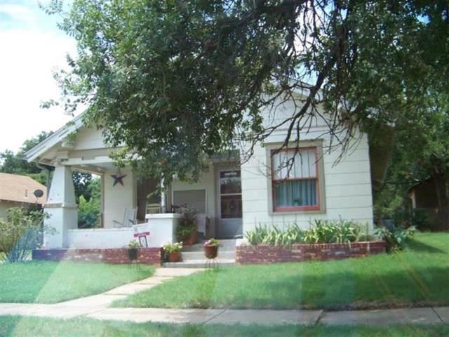 412 S 11th Street, Clinton, OK 73601 (MLS #898021) :: Homestead & Co