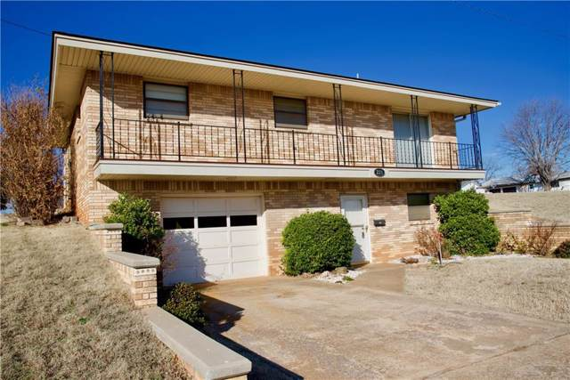 221 N 4th Street, Weatherford, OK 73096 (MLS #898055) :: Homestead & Co