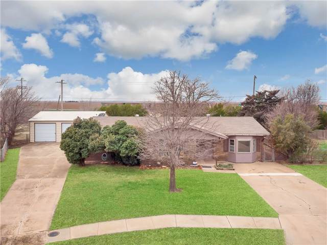 716 W Lark Street, Altus, OK 73521 (MLS #898538) :: Homestead & Co