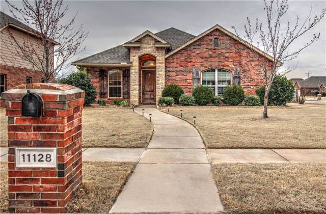 11128 SW 40th Street, Mustang, OK 73064 (MLS #898666) :: Homestead & Co