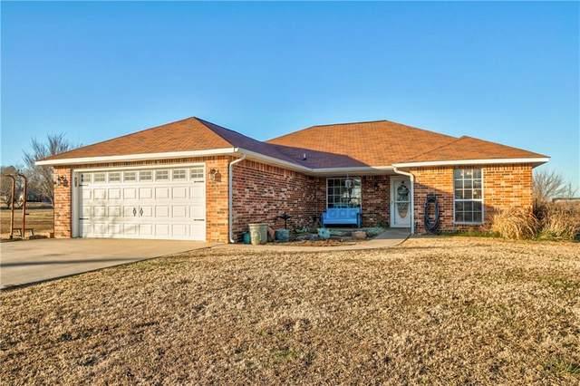 45402 Hardesty Road, Shawnee, OK 74801 (MLS #899254) :: Keri Gray Homes