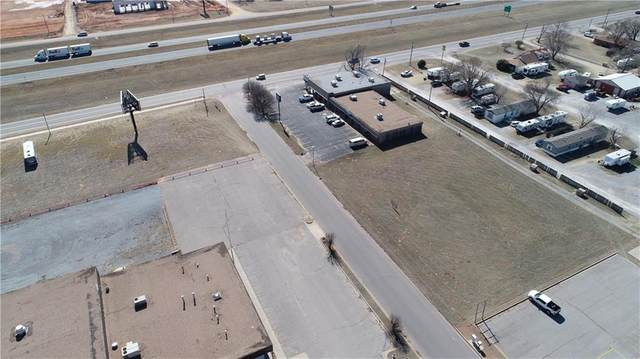 1301 Lera Drive, Weatherford, OK 73096 (MLS #899325) :: Homestead & Co
