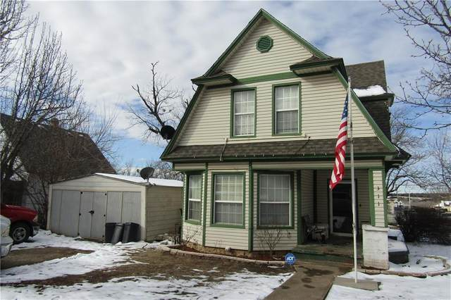 311 N B Street, Cement, OK 73017 (MLS #899368) :: Keri Gray Homes