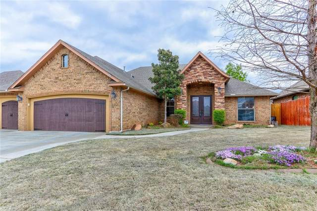2401 SE 12th Street, Moore, OK 73160 (MLS #899389) :: Homestead & Co