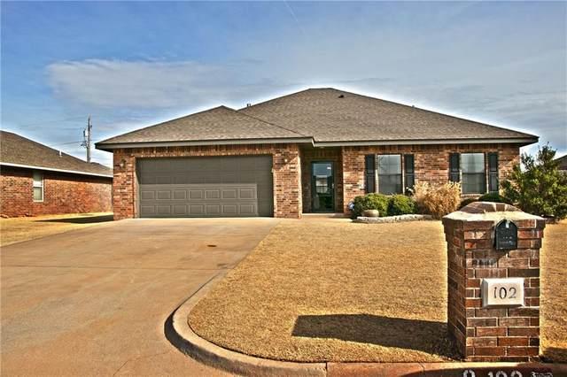 102 N Woodridge Drive, Elk City, OK 73644 (MLS #899481) :: Homestead & Co