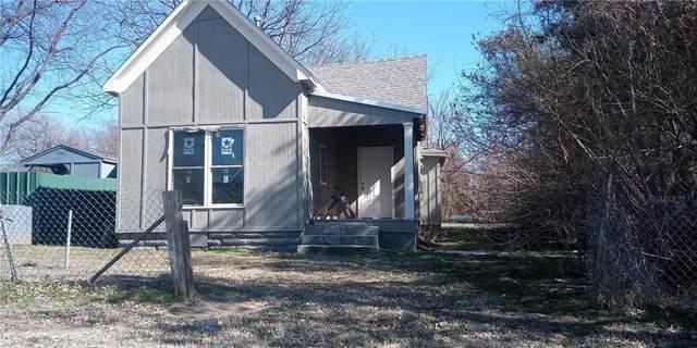 111 N Draper Avenue, Shawnee, OK 74801 (MLS #900034) :: Homestead & Co