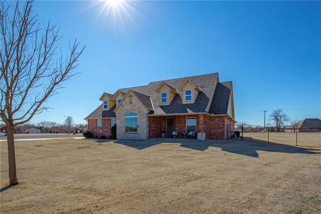 10801 Leafring Circle, Oklahoma City, OK 73173 (MLS #900139) :: Homestead & Co