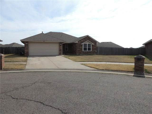 602 SW 38th Place, Moore, OK 73160 (MLS #900380) :: Homestead & Co