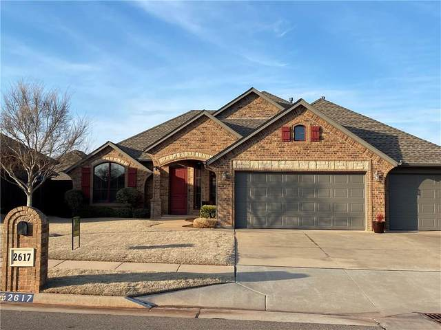 2617 SE 39th Street, Moore, OK 73160 (MLS #900396) :: Homestead & Co