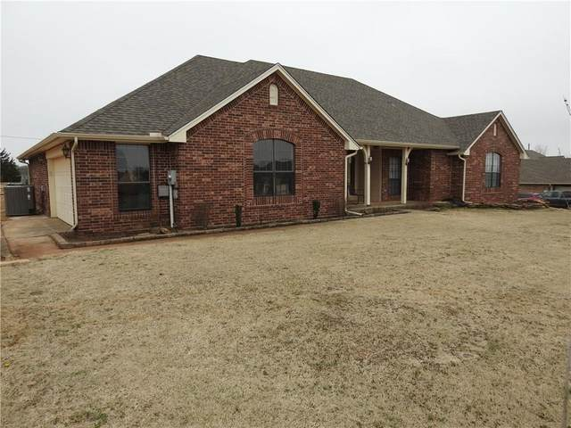 1531 Twin Spires Trail, Guthrie, OK 73044 (MLS #900616) :: Homestead & Co