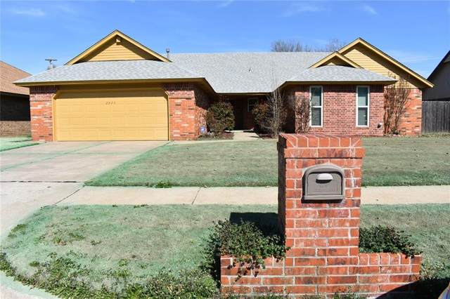 2925 SW 127th Street, Oklahoma City, OK 73170 (MLS #900637) :: Homestead & Co