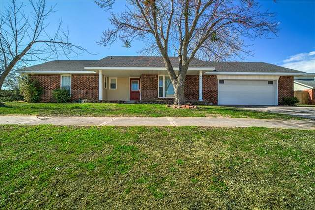 1605 Westlawn Drive, Prague, OK 74864 (MLS #900641) :: Homestead & Co