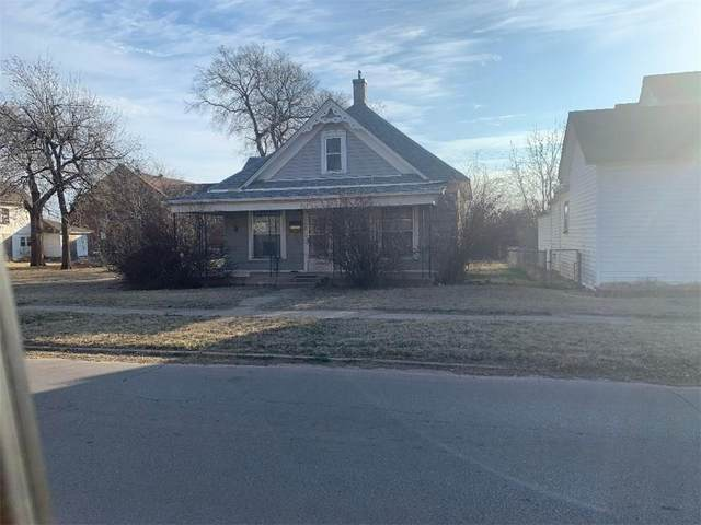 213 S 10th Street, Clinton, OK 73601 (MLS #900753) :: Homestead & Co