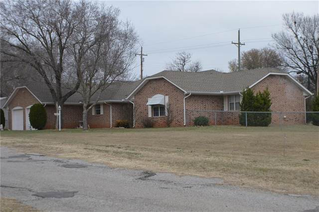 412 S Monroe Avenue, Blanchard, OK 73010 (MLS #900864) :: Homestead & Co
