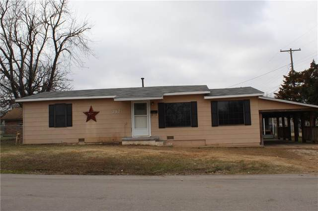 312 N 11th Street, Tecumseh, OK 74873 (MLS #901006) :: Homestead & Co