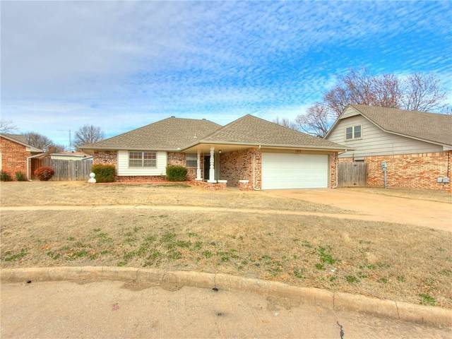 1217 SW 94th Street, Oklahoma City, OK 73139 (MLS #901265) :: Homestead & Co