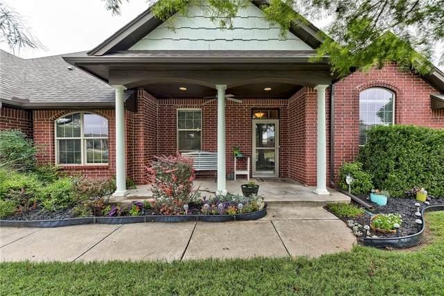 11208 Sturbridge Road, Oklahoma City, OK 73162 (MLS #901422) :: Keri Gray Homes