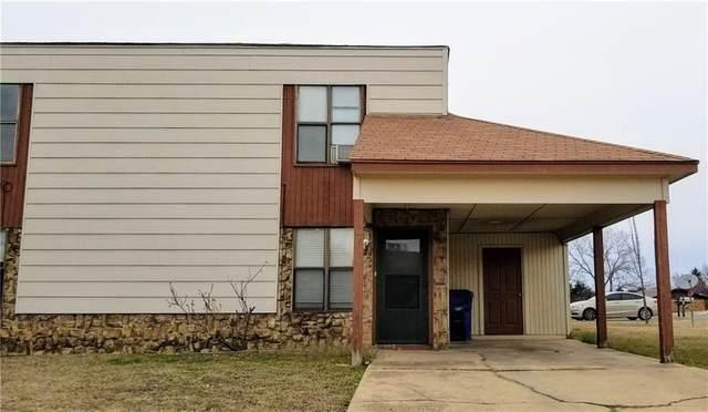 405 N Woods Drive 405/407, Noble, OK 73068 (MLS #901774) :: Keri Gray Homes