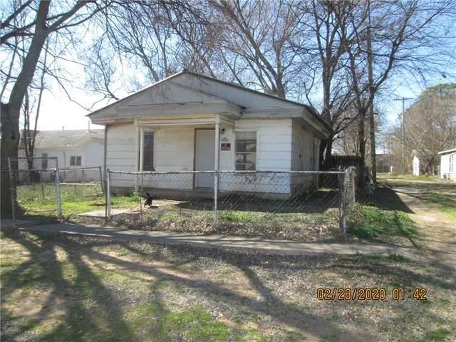 215 S 3rd Avenue, Purcell, OK 73080 (MLS #901856) :: Keri Gray Homes