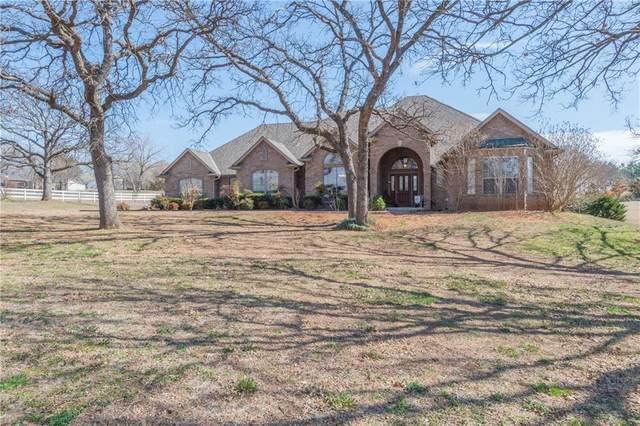 1201 Wandering Oaks, Norman, OK 73026 (MLS #902664) :: Homestead & Co